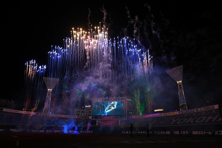 第1戦後に開催される「DB.キララによる花火と光のショー」(※画像はイメージ) (c)YDB