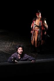 オーディションを経た16名の俳優が演じる、新国立劇場の演劇『斬られの仙太』が開幕