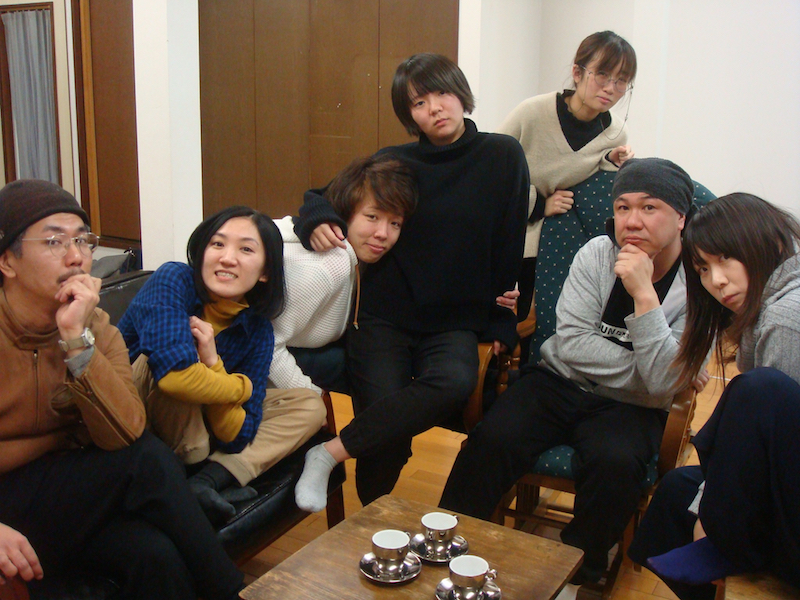 第二話『箱を出たい女』の出演者。左から・作・演出の渡山博崇、原みなほ、三井田明日香、林揚羽、平手さやか、二宮信也、まとい