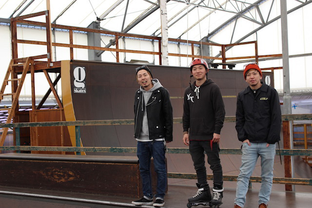 左よりACCHAN、安床 武士、w-shun