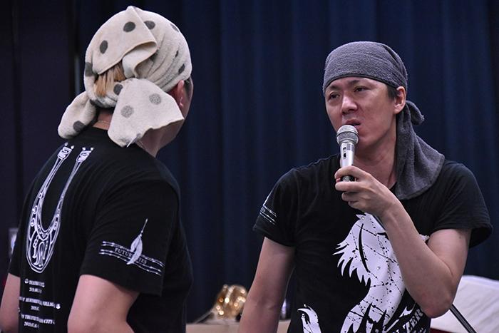 吉野圭吾(右)
