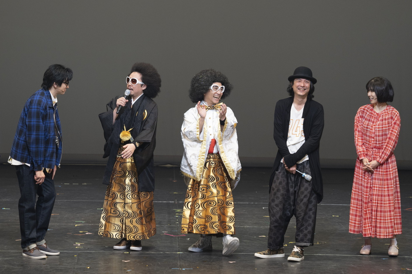 左から 山本耕史、池田貴史、八嶋智人、河原雅彦、松岡茉優