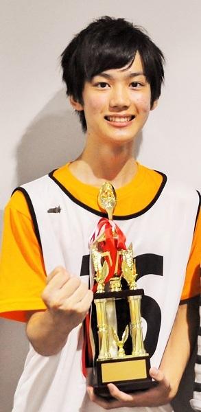 グランプリを受賞した高校2年生の田中亨