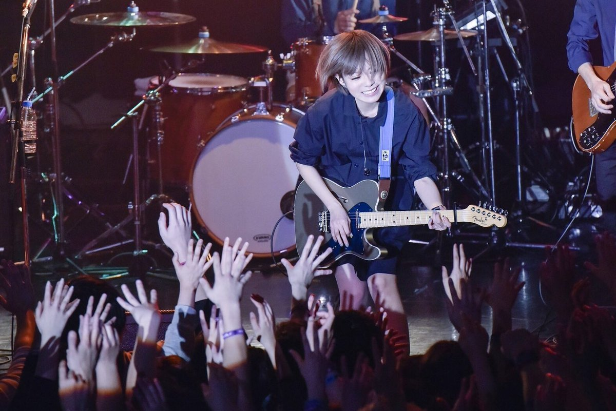 『2018 TOUR 全知全能』より 撮影=AZUSA TAKADA