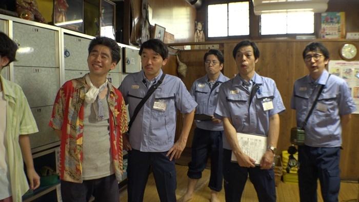 ケース2『西陣ピクセルシャドー』。京都の銭湯[源湯]のタイル絵を使って、ピクセル状のUMAをめぐるストーリーを展開。