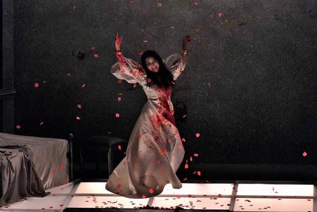 オペラ『ルチア~あるいはある花嫁の悲劇~』(ルチア:森谷真理) 撮影:三枝近志