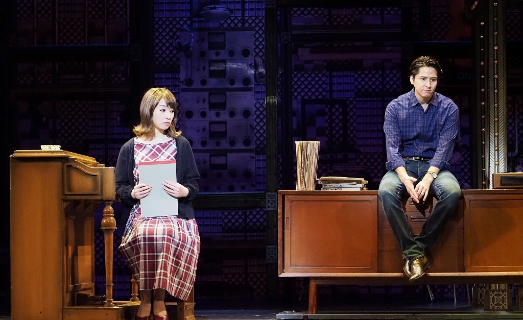 (左から)水樹奈々、伊礼彼方 写真提供/東宝演劇部