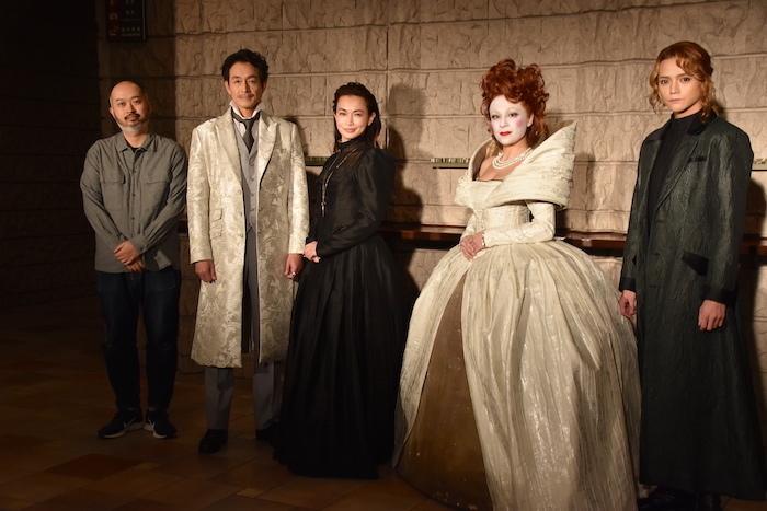 森新太郎、吉田栄作、長谷川京子、シルビア・グラブ、三浦涼介(左から)