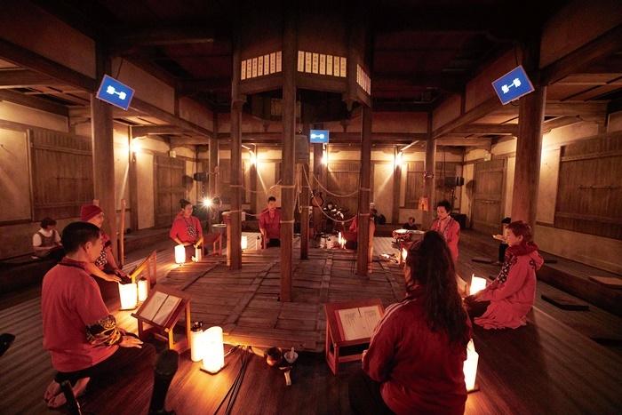 庭劇団ペニノ『蛸入道 忘却ノ儀』より。 Photo by Shinsuke Sugino