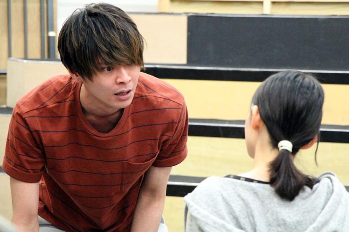 (左から)相馬圭祐、安藤遥