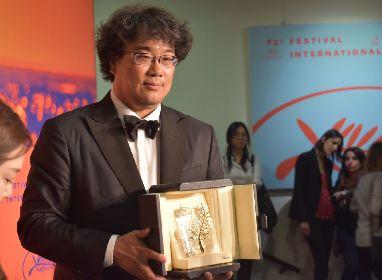 カンヌ最高賞に輝いた『PARASITE』(英題)日本公開が決定 ポン・ジュノ監督×ソン・ガンホ4度目のタッグ作