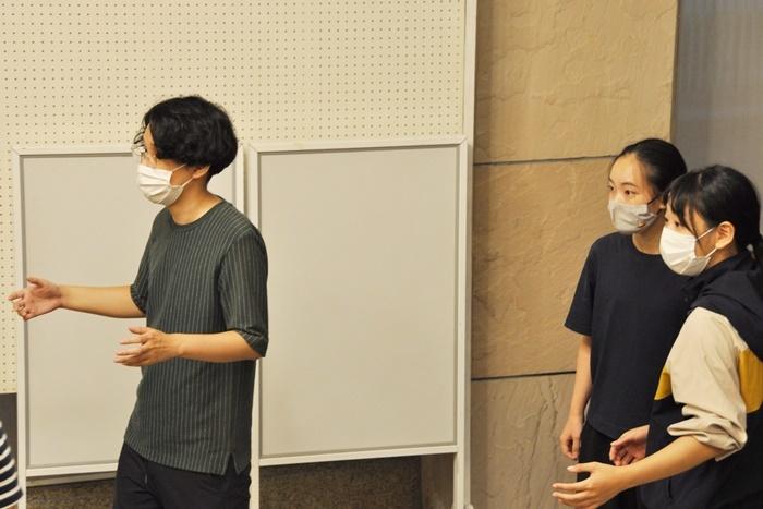 行く先々で「京都妖気保安協会」とめぐりあう大学生チーム。