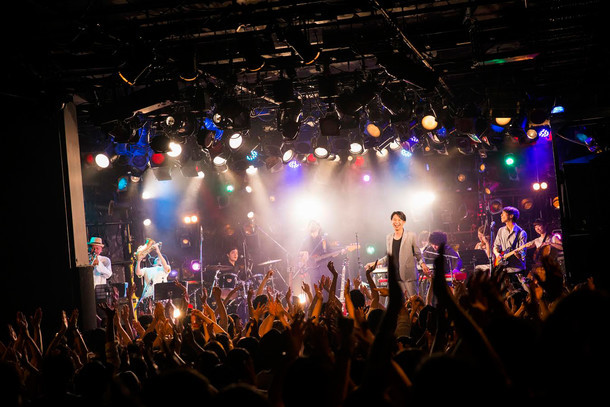 「Alley Release Tour」渋谷CLUB QUATTRO公演の様子。