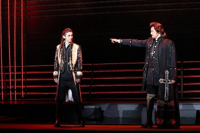 (左から)古川雄大、山口祐一郎 写真提供:東宝演劇部