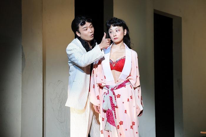 左から、小池栄子、井上芳雄