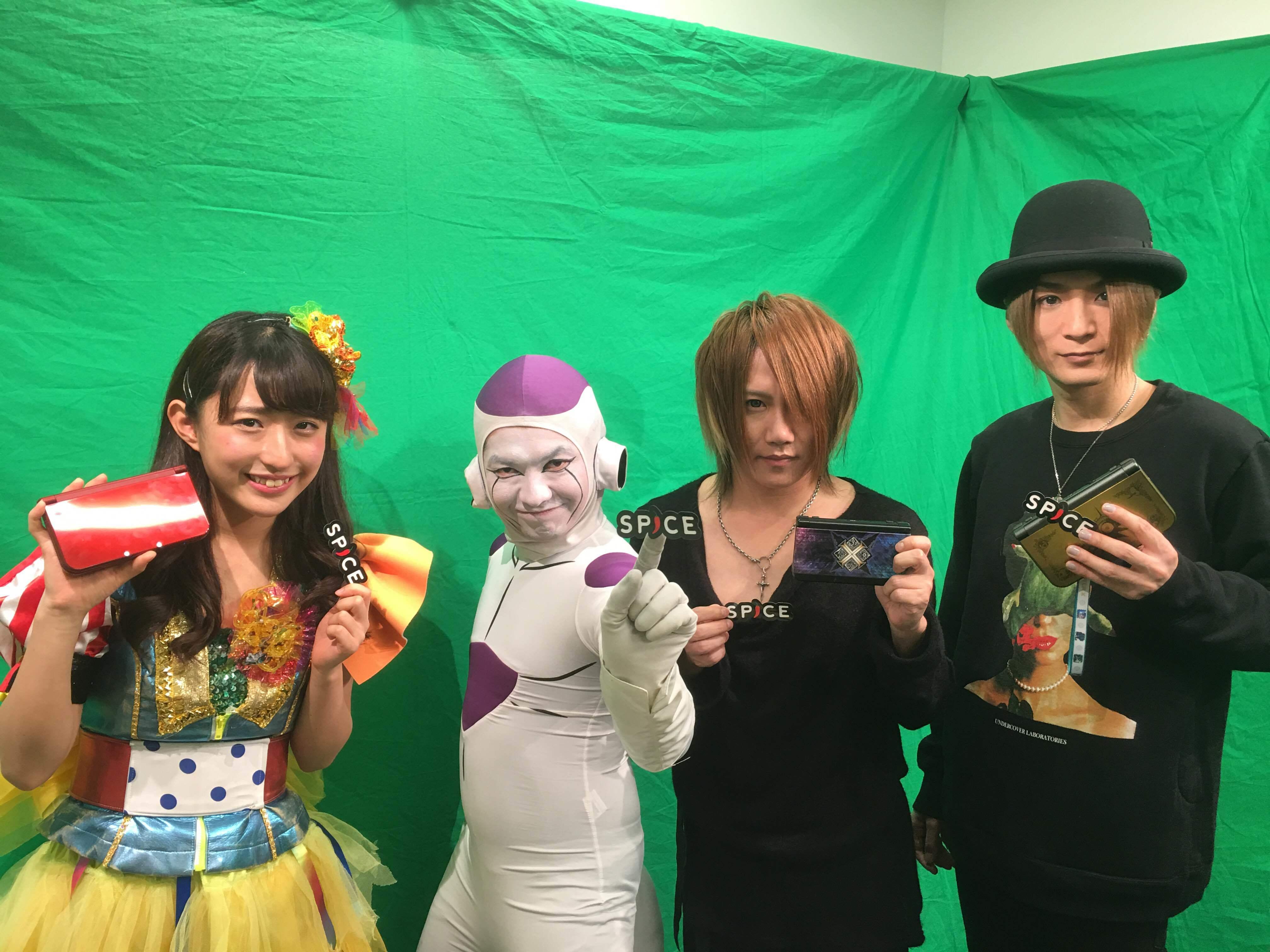 左から汐咲玲亜さん、フリーザ様、ナイトメアYOMIさん、咲人さん