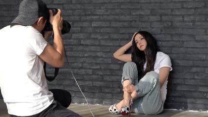 """安室奈美恵が30代を振り返る姿も 最後のファッション誌撮影に密着した『Documentary of Namie Amuro """"Finally""""』エピソード8を配信"""