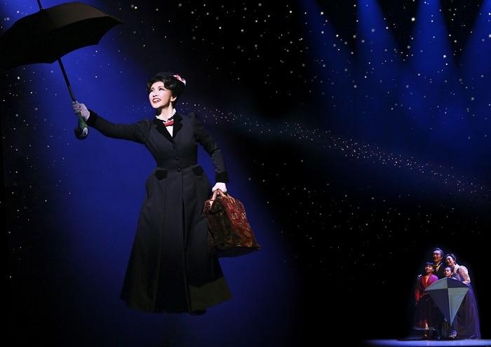 『メリー・ポピンズ』2018年公演舞台写真(濱田めぐみ)
