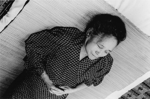 荒木経惟《母死去》1974年 作家蔵 ©Nobuyoshi Araki courtesy of the artist and Yoshiko Isshiki Office, Tokyo