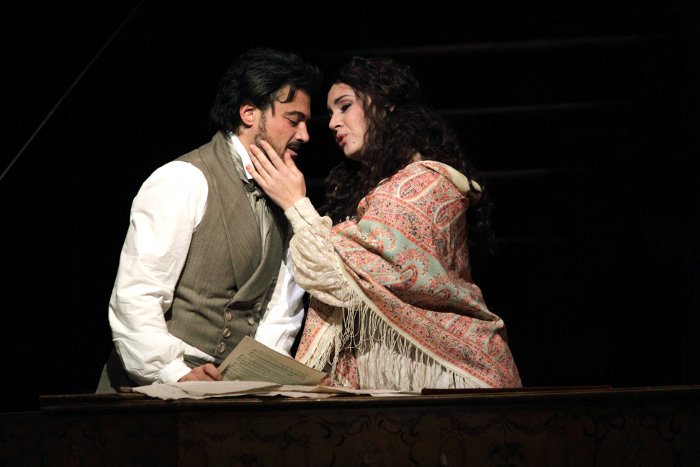 VITTORIO GRIGÒLO AS HOFFMANN, SONYA YONCHEVA AS ANTONIA (C) ROH. PHOTOGRAPHER CATHERINE ASHMORE