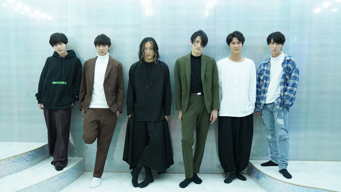 (左から)大崎捺希、武藤賢人、橋本全一、磯野大、栗田学武、朝田淳弥