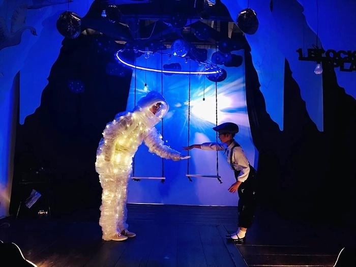 ユリイカ百貨店[1.block.planet](2018年)より。宮沢賢治『銀河鉄道の夜』をもとに創作した舞台。