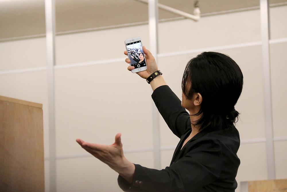 取材の模様を撮影する武田さん。この時のお写真は武田さんのInstagramでご覧ください!