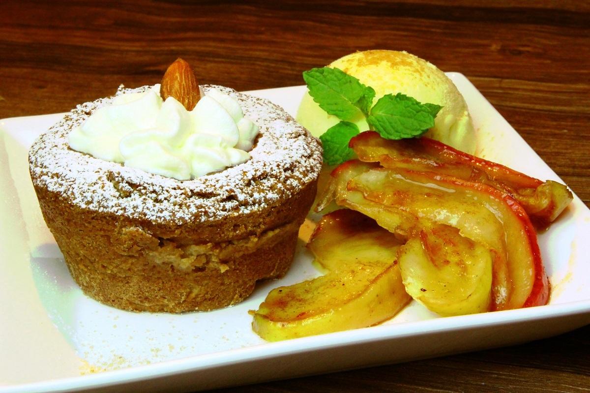 アーモンド アップル ケーキ