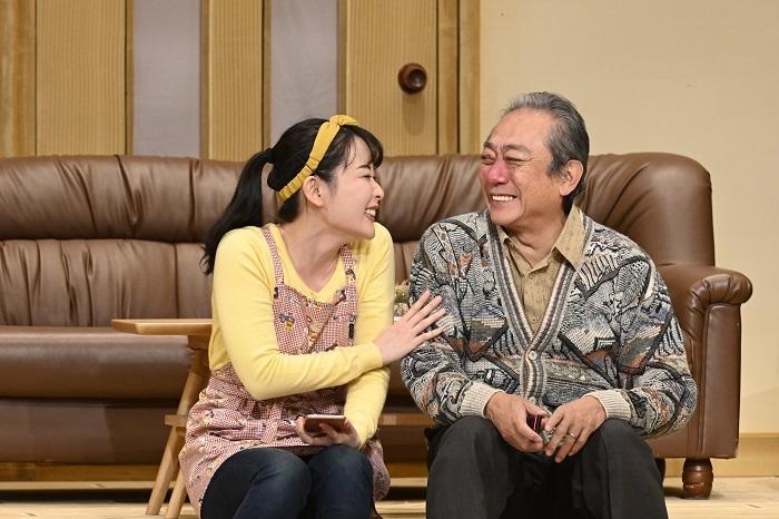 Aプロ『二階の奥さん』(右から)渋谷天外、桑野藍香