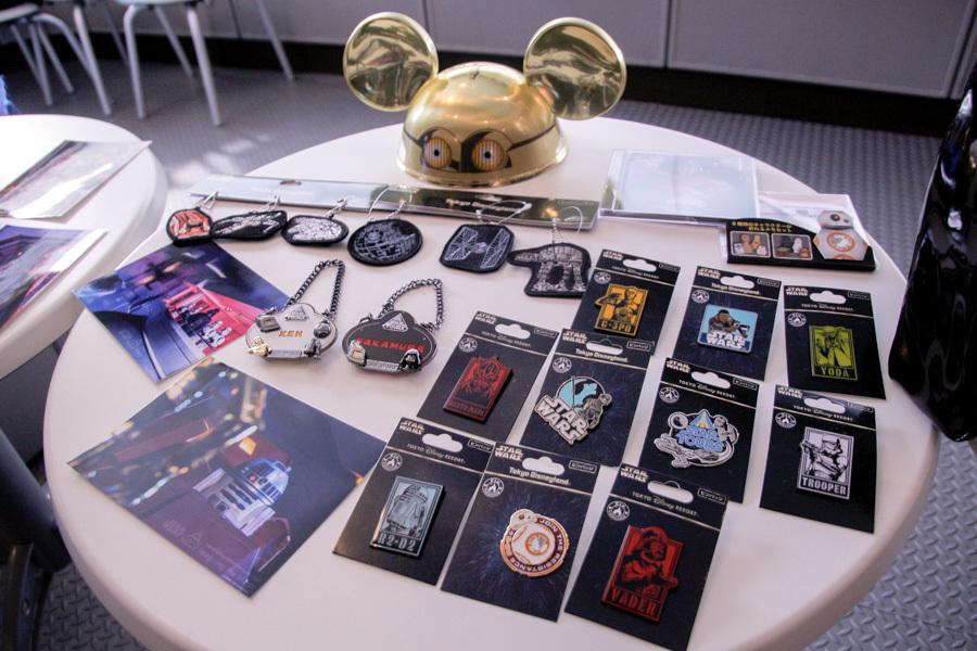 (C)Disney (C)Disney (C)&™Lucasfilm Ltd