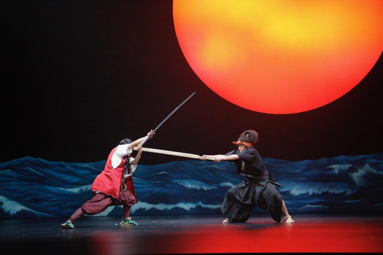 前回公演の舞台写真 (C)ホリプロ