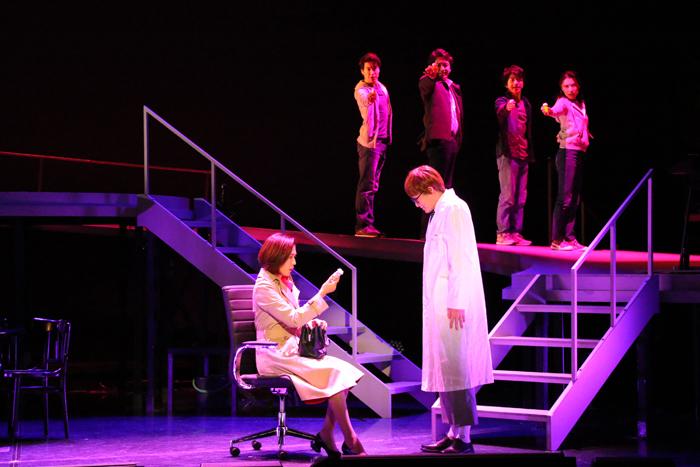「TENTH」第1部『ネクスト・トゥ・ノーマル』ダイジェスト公演(写真提供:東宝演劇部)