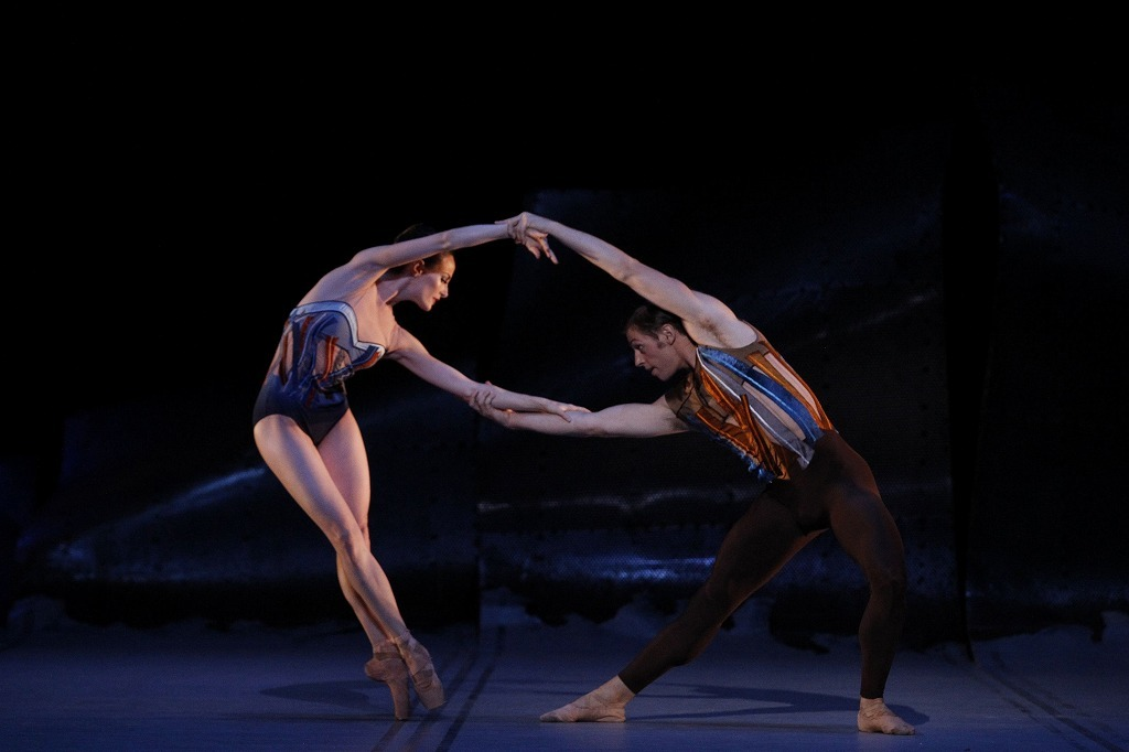『DGV Danse à Grande Vitesse ©』 (C)Amber Scott and Ty King-Wall, The Australian Ballet. Photography Jeff Busby