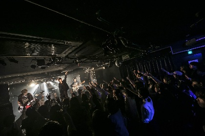 バンハラ、postmanらが熱演 HOT STUFF×渋谷CLUB CRAWLが仕掛ける新イベント『HOTCRAWL』の公式レポ