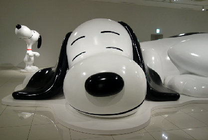 『スヌーピーミュージアム』が南町田に開館! 巨大スヌーピーにも出会える、かわいさあふれる「ピーナッツ」の世界を満喫