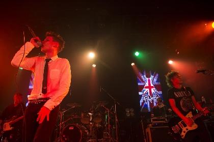 FAKE? 創設メンバーのINORANも駆けつけた15周年ライブ「みんないろんなカッコいいバンドをやってるから、FAKE?もカッコよくいられるんです」