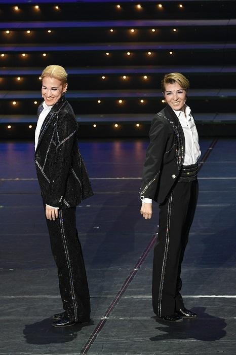 (左)桐生麻耶 _(右)楊琳(次期トップスター)
