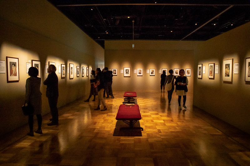 写楽のデビュー作が一堂に会する。江戸時代の芝居町に迷い込んだような展示室。
