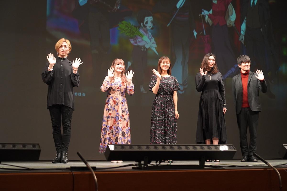 左から蒼井翔太、伊藤彩沙、三森すずこ、Raychell、小林親弘