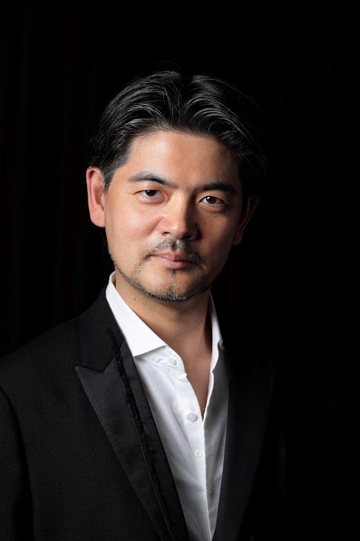 与那城 敬(バリトン)   (C)Hiromi NAGATOMO