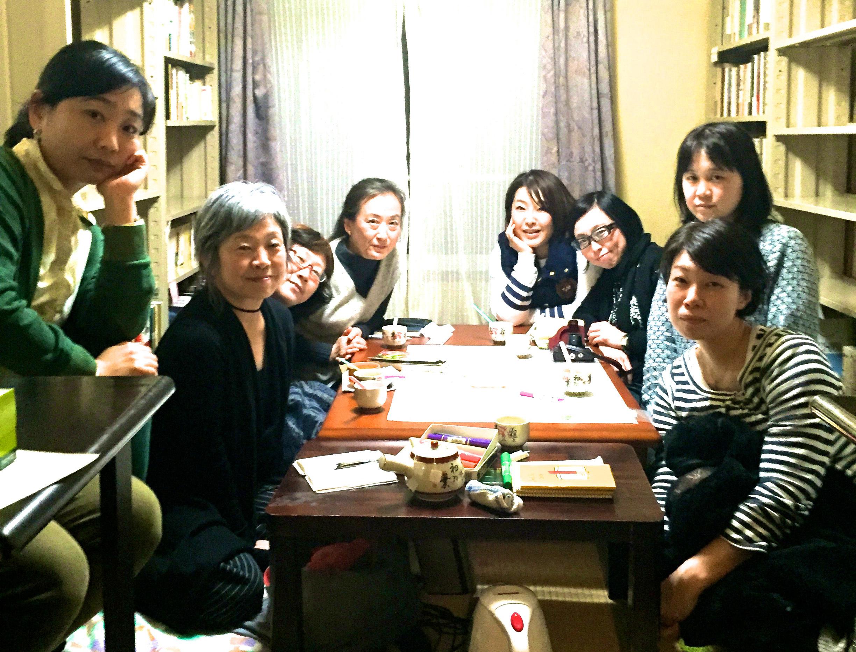 亜女会のめんめん 撮影:杉田協士