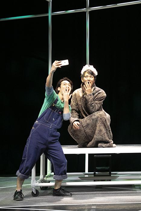 『僕のド・るーク』右:小林且弥、左:小早川俊輔  撮影:岩村美佳