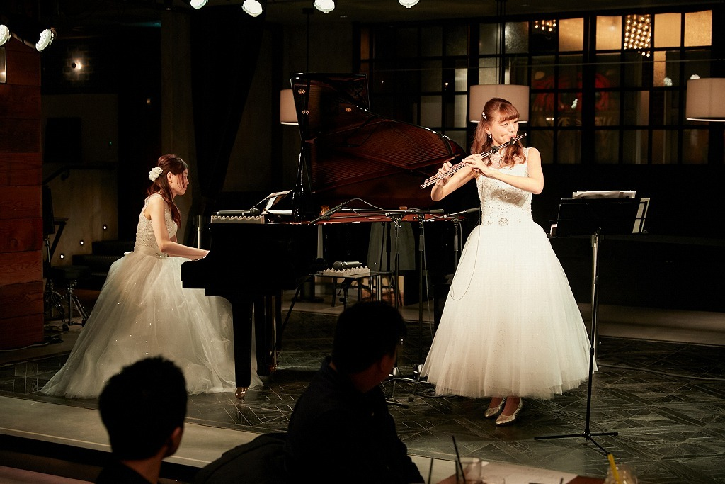 兵頭愛美(ピアノ)、林愛実(フルート)