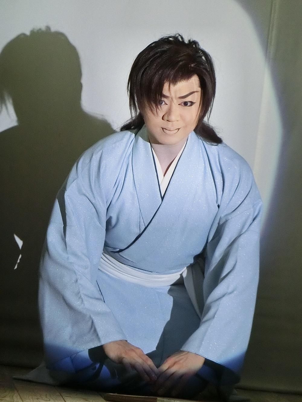 若座長・龍錦さん。新座長の弟。真面目で優しい人柄が芸にも現れる。