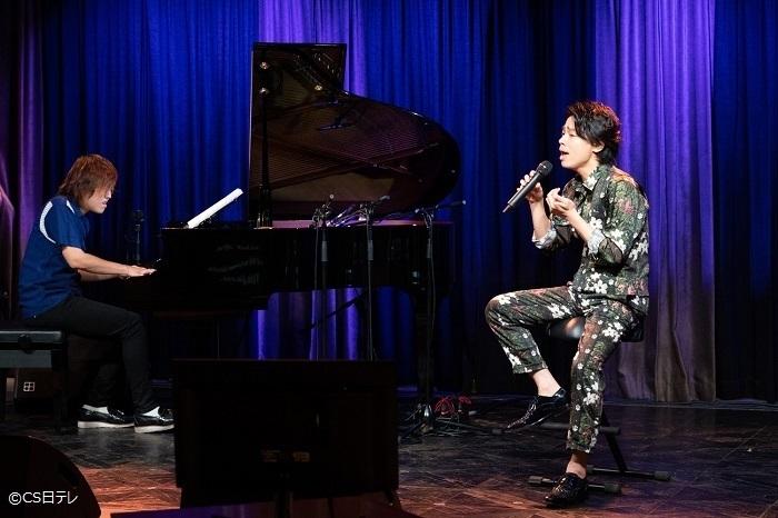 番組ピアノ・アレンジは園田涼が担当