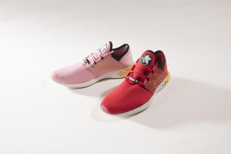 商品名:UCRUZYS2 左足は2号機、 右足は8号機をイメージしたカラーリング。 カラー名: SECOND IMPACT/サイズ:D/ 23.0~29.0、30.0cm/価格:12,000円+税