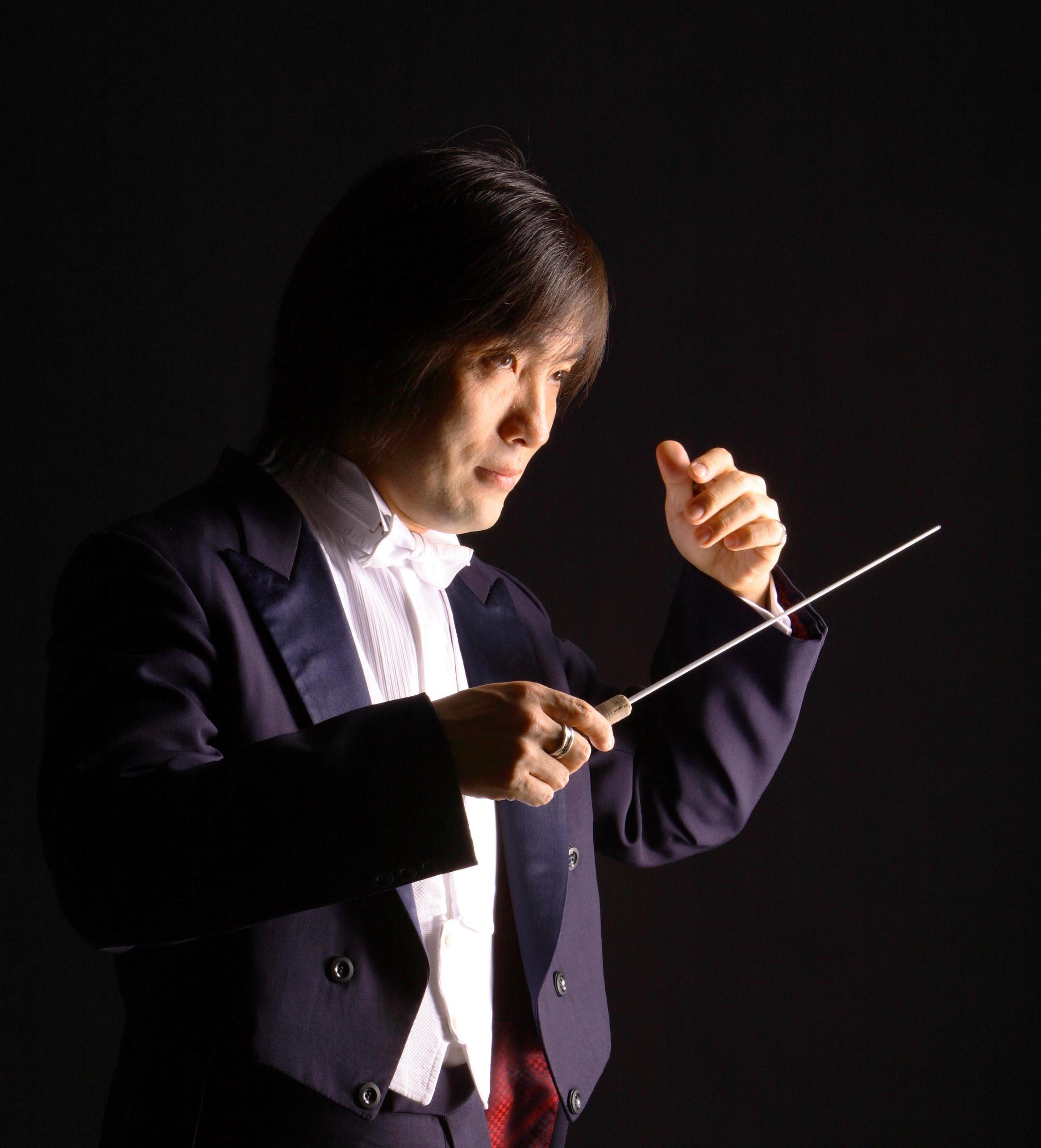 8月にはポポーフの日本初演を大成功に導いた飯森範親