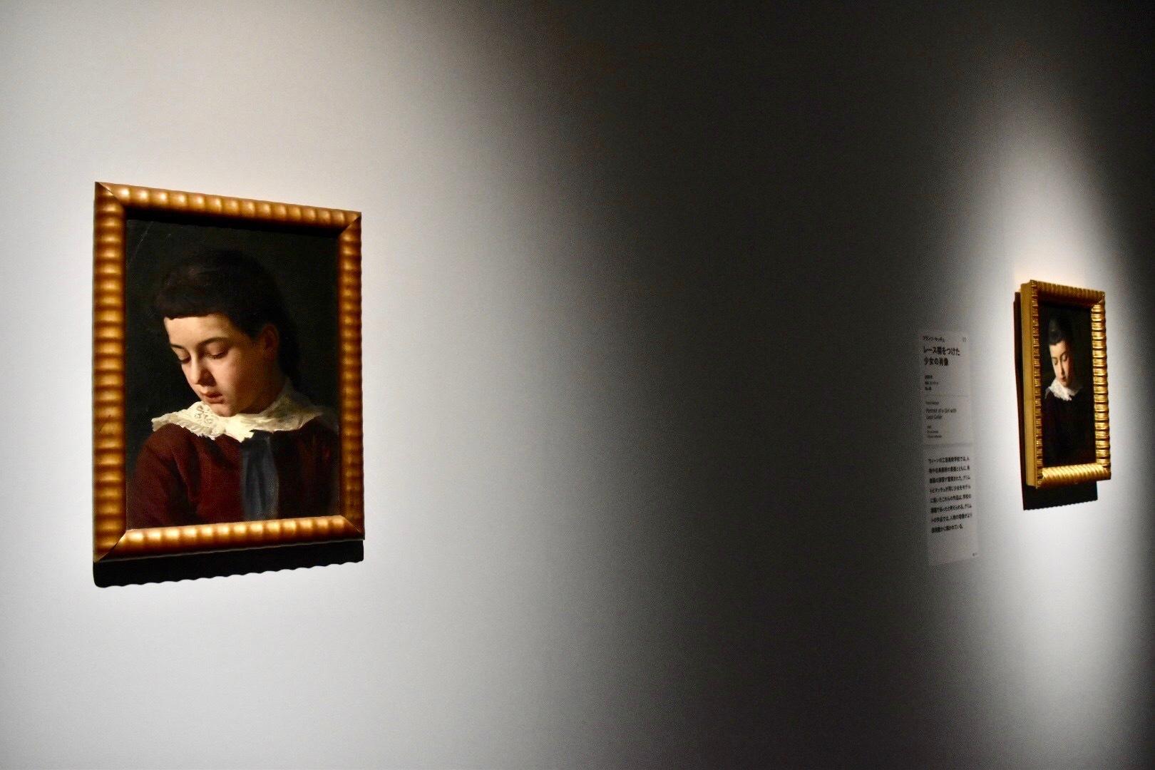 左:グスタフ・クリムト 《レース襟をつけた少女の肖像》 1880年 個人蔵