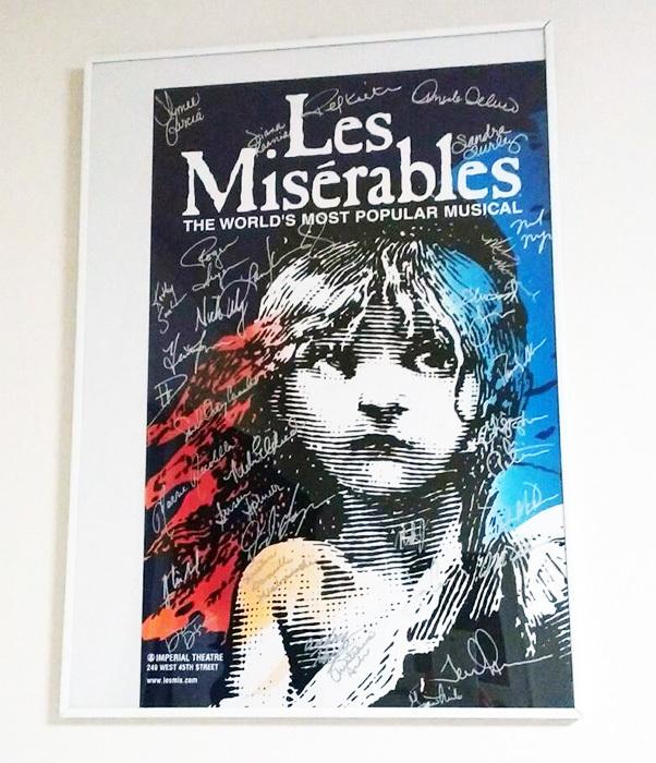 ブロードウェイ初演ファイナルキャスト全員のサイン入りポスター