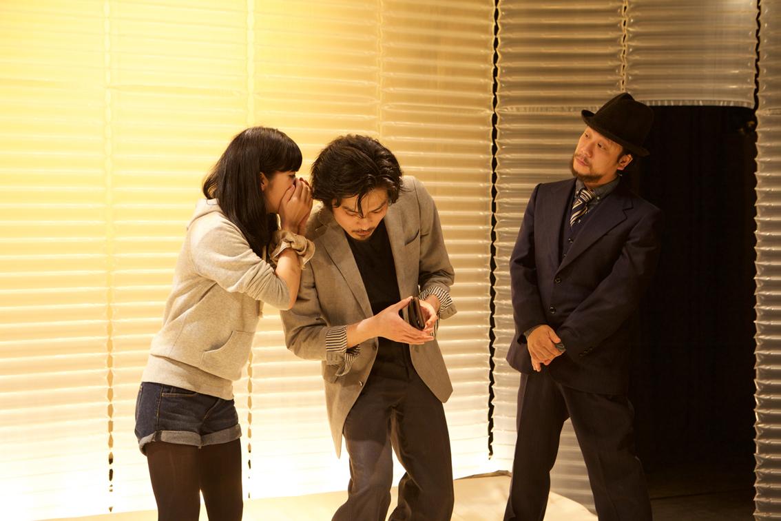 中野成樹+フランケンズ2015『ナカフラ演劇展 vol.2』プログラムa『ラブコメ改』 [撮影]鈴木竜一朗